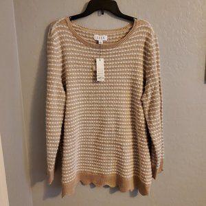 Elle Cream and White sweater size XXL